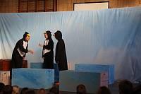 Pinguine diskutieren: Wer ist Gott?