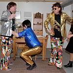 Rodriguez bringt den Glitterboys das Tanzen bei