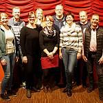 Die Spielergruppe 2017 der Theatergruppe Börger mit Souffleusen und Regie